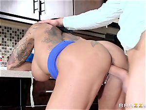 Ashton Blake bangs her daughters fellow