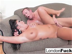 London Gets Her cunt fucked