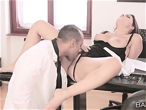 Valentina Nappi unclothes off and pulverizes her chief