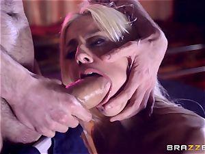 Monster salami slides into jiggly labia fuckhole of Jessie Volt