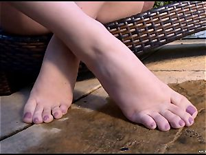 super hot red-hot Kagney Karter plays with her hot toes