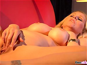 kinky mother Julia Ann playing with her yummy milfy cooter