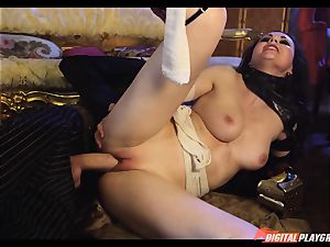 Tina kay has huge fountain on her sumptuous lovely face from frankenstein
