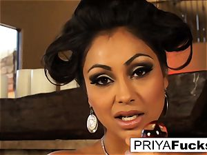 Indian cougar Priya teases then satisfies her killer humid slot