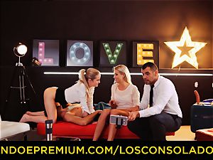 LOS CONSOLADORES - brilliant blondies sixty nine in group hump