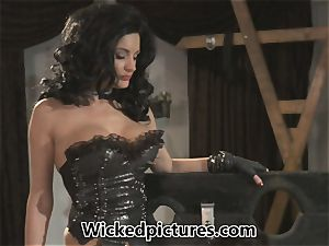 domina Alektra Blue gets her man in a madness
