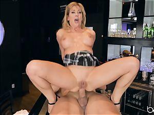 Cherie Deville fondles her gash on Roman