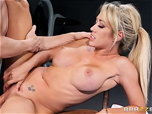 Capri Cavanni finishes her workout with some ample beef whistle