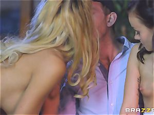 Chelsey Lanette and Tina Walker steaming escort 3some