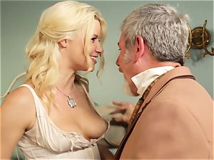 steaming prostitute Anikka Albrite romps her favourite insatiable west client