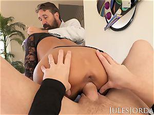 Jules Jordan - Adriana Chechik double buttfuck internal ejaculation!
