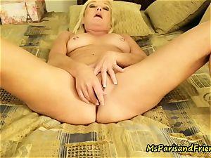 rectal fucktoy climaxes with Ms Paris Rose
