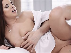 Amirah Adara slams knob down her mouth