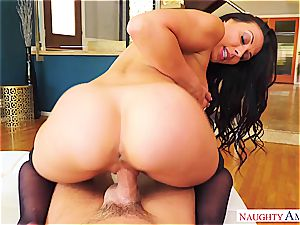 fervor and tantric fervor comes with Rachel Starr and her highly inappropriate demeanour