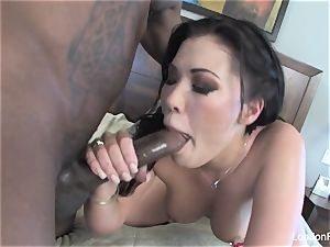 London Keyes takes some black trunk on her butt