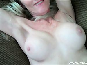 two sausages For fledgling GILF mommy