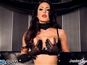 Jessica Jaymes playing with her spectacular labia pie