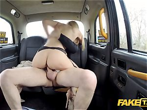 faux cab Driver gets more than a flash by Amber Jayne
