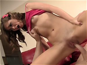 Riley Reid Has Her very tight coochie