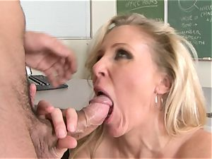Julia Ann is a hardcore cougar who wants to put her slit on a stiff shaft