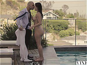 VIXEN hot nanny Leah Gotti Gets buttfuck paycheck